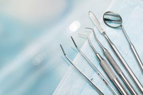 L'orthodontie et la chirurgie: deux pratiques fréquemment combinées